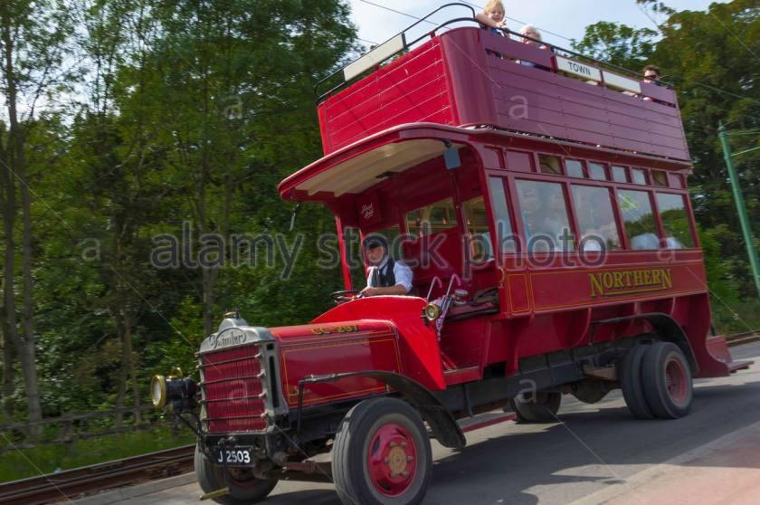 1913-cc-daimler-bus-at-beamish-museum-of-northern-life-passing-DAHEF8