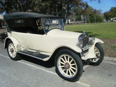 1921 Hupmobile model R