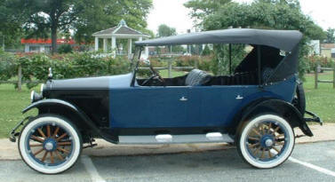 1922 Hupmobile Touring Sedan