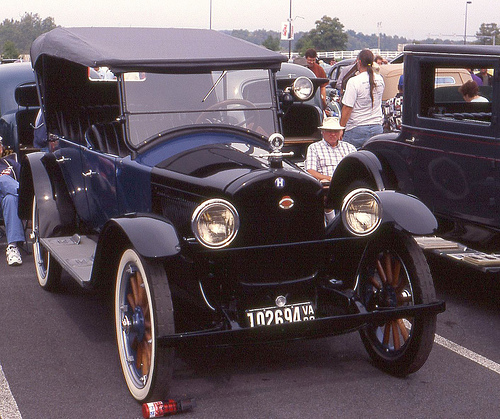 1922 Hupmobile touring