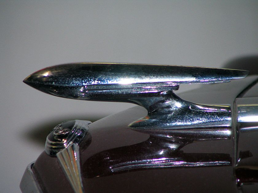1935-37 Hood ornament of the Opel Olympia