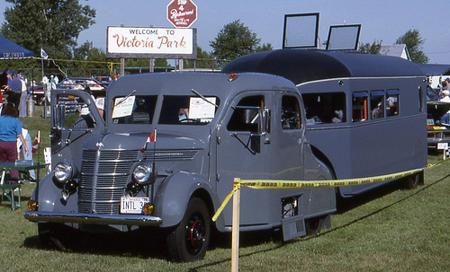 1938 International tractor-1936 Aerocar trailer