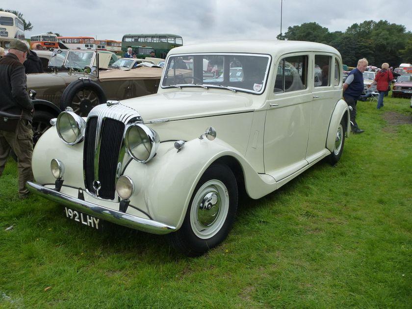 1947 Daimler Twenty-seven DE27 six-light limousine