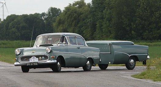 1960 Opel Rekord 1500 met aanhanger