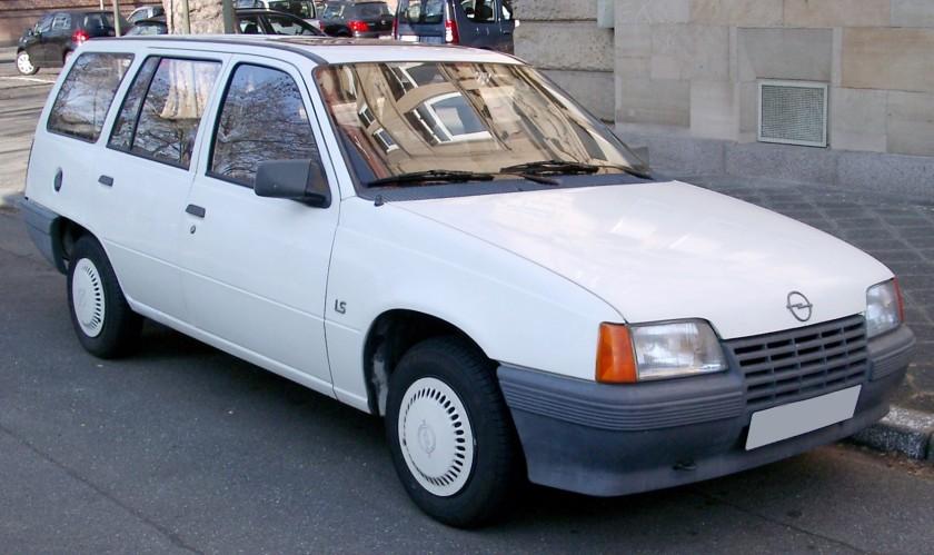 1984–1989 Opel Kadett E Kombi