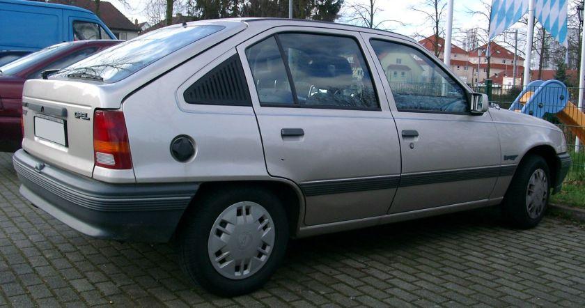1989-91 Opel Kadett E side 5d