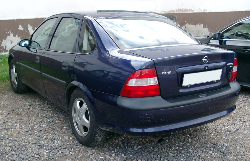 1995-99 Opel Vectra B rear