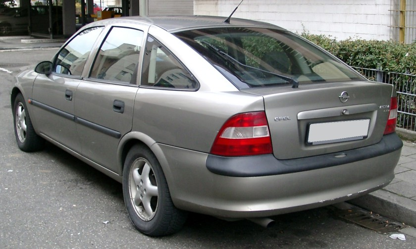 1995-99 Opel Vectra rear