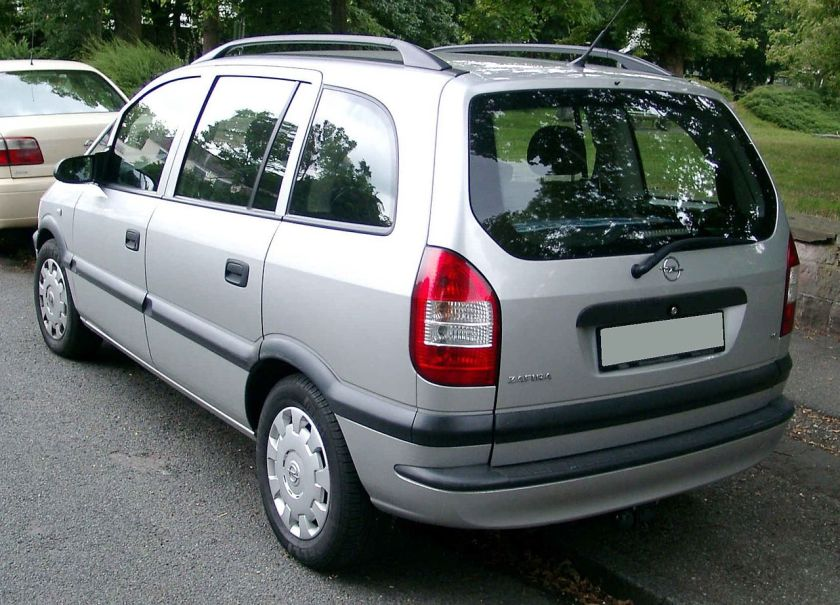 1999–05 Opel Zafira rear