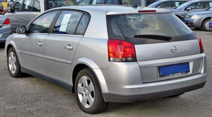2003-05 Opel Signum 1.9 CDTI rear