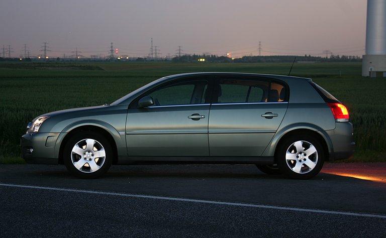 2003-05 Opel Signum