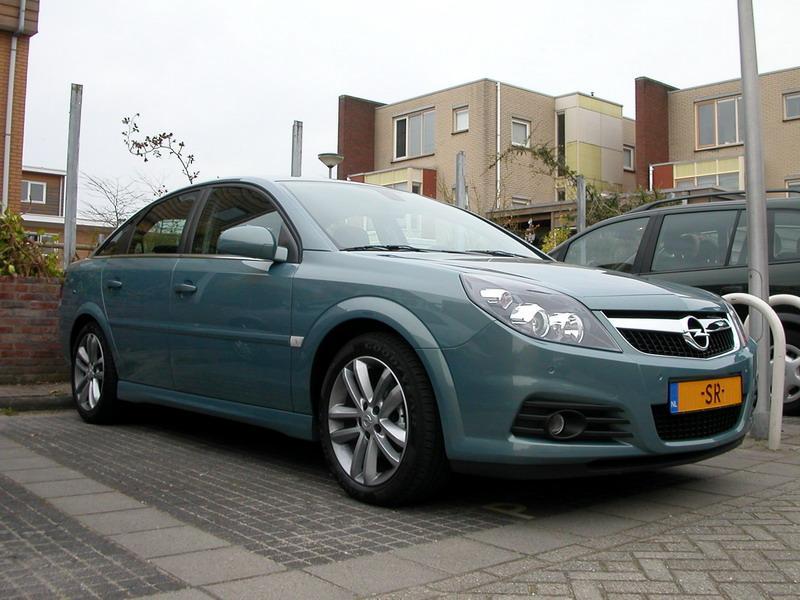 2006 Opel Vectra model