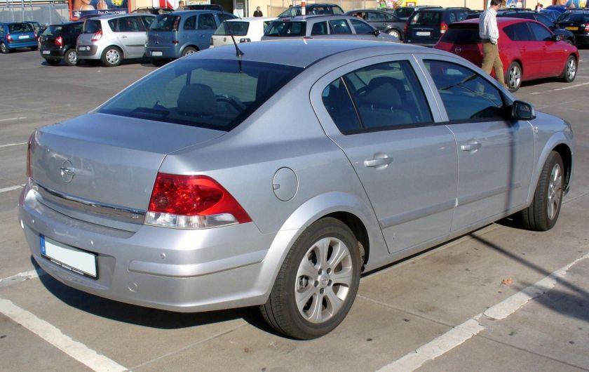 2008-10 Opel Astra H Stufenheck 1.6 Ecotec Edition Starsilber rear