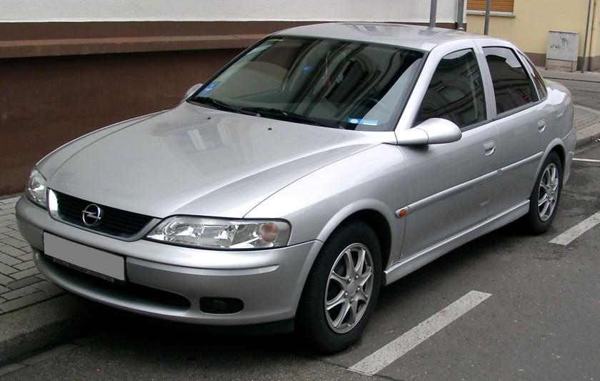 2008 Opel Vectra front
