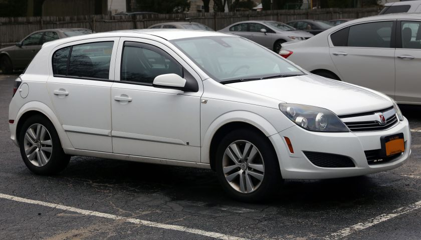 2008 Saturn Astra XE 5d, front right