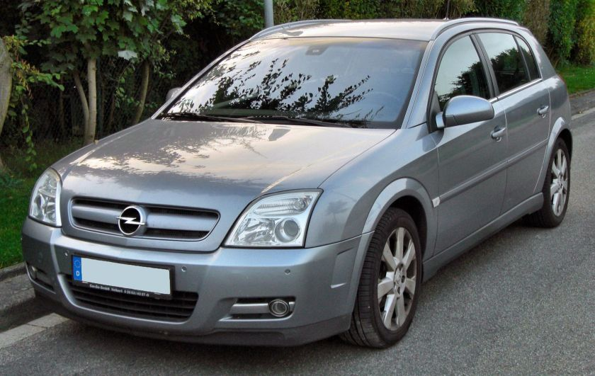 2009 Opel Signum front