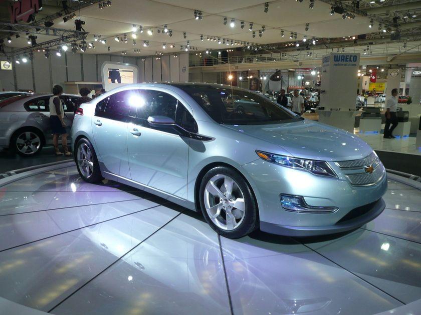 2010 Opel Ampera-Chevrolet Volt hatchback (concept) 01