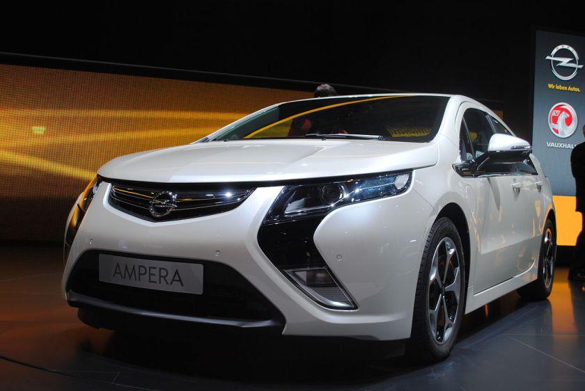 2011 Opel Ampera (2)