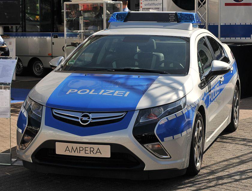 2011 Opel Ampera patrol car.