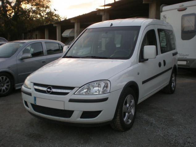 2012 Opel Combo (2)