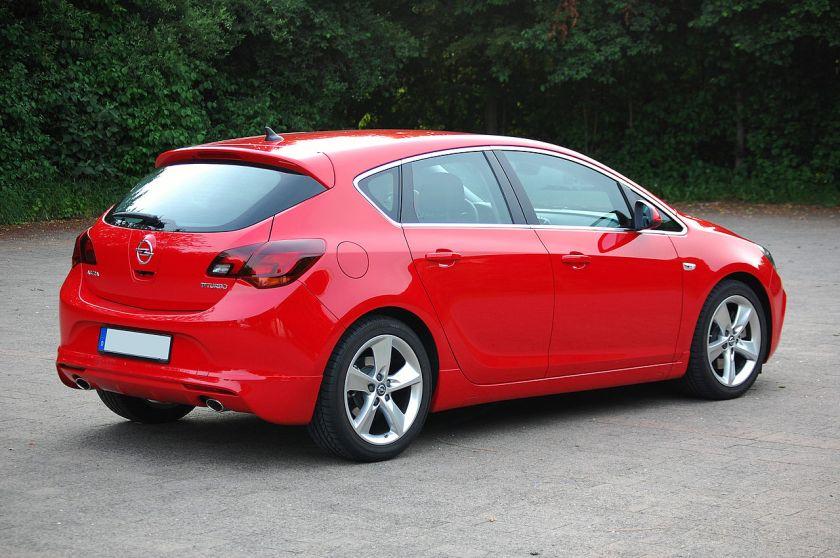 2013 Opel Astra J BiTurbo