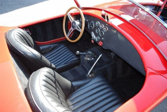 ac-cobra-daytona-coupe-replica-05