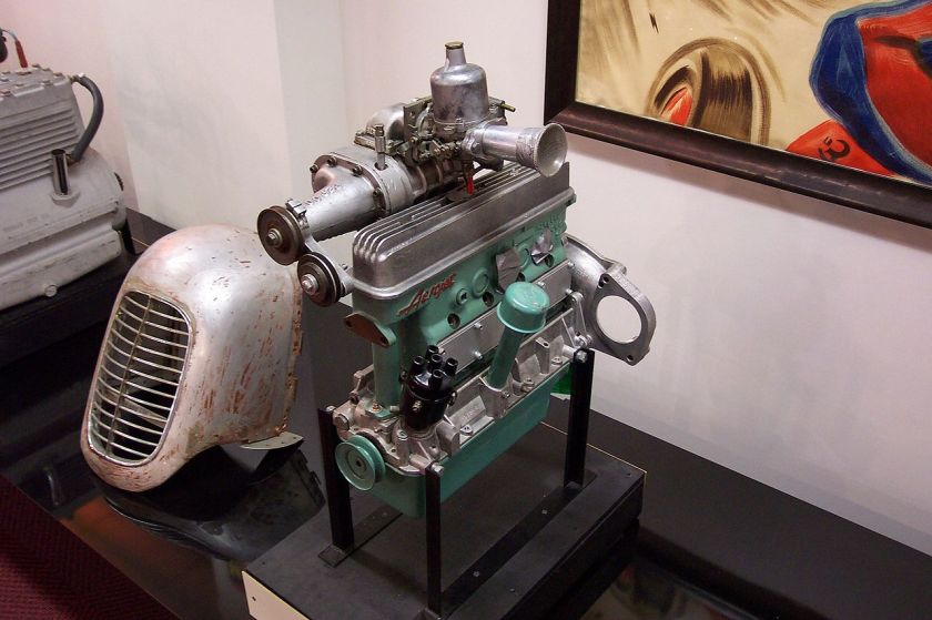 Crosley racing engine with a supercharger