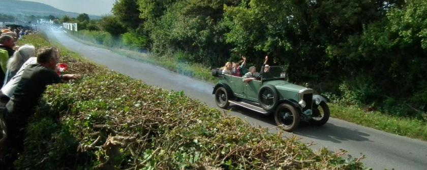 Daimler 16-55 tourer_Kop_Hill_Climb_2014_(15373006782)_(cropped)