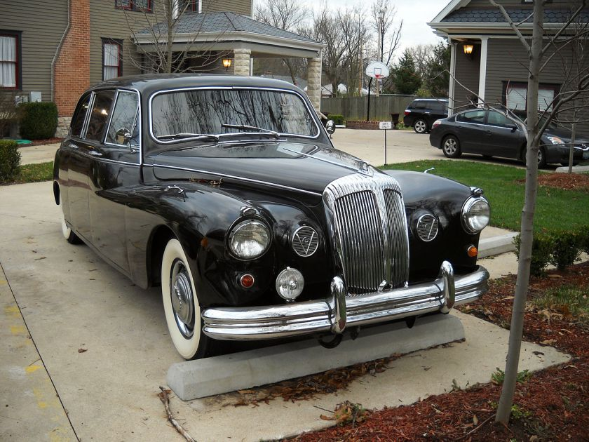 Daimler DR450 Majestic Major Limousine Front End