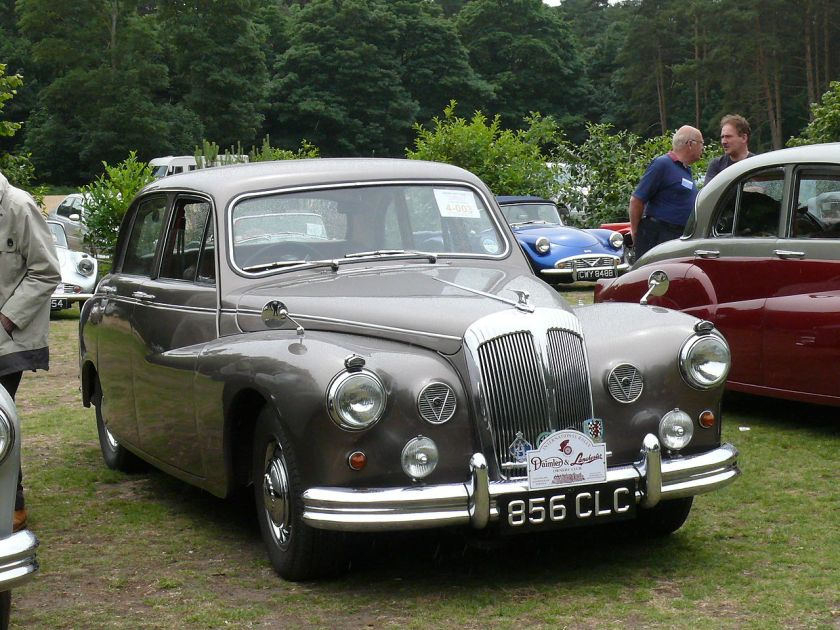 Daimler Majestic Major saloon 5
