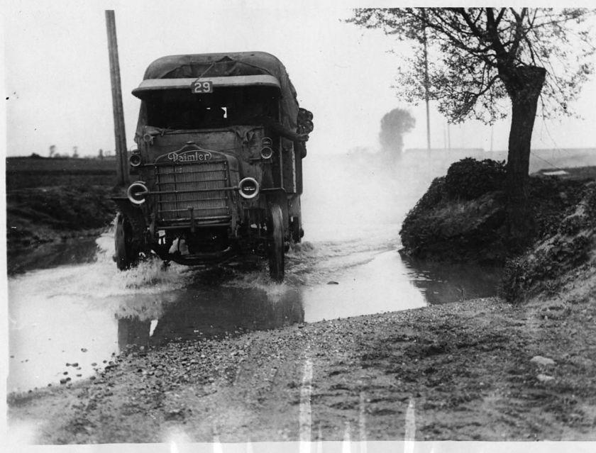 Daimler NLS_Haig_-_On_the_road