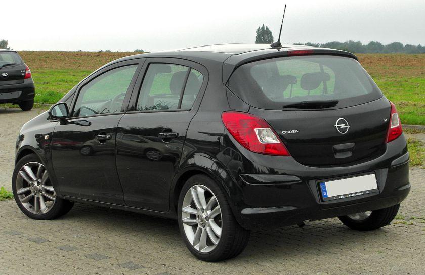 Opel Corsa D1.4 rear