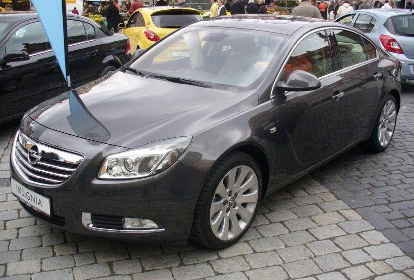 Opel Insignia Cosmo V6 4x4 Karbongrau