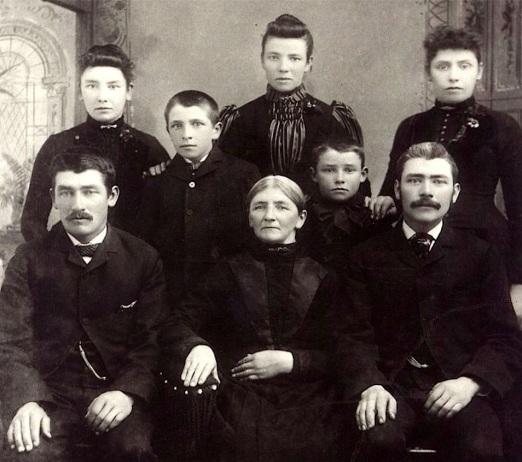 1886 Duesenberg Family