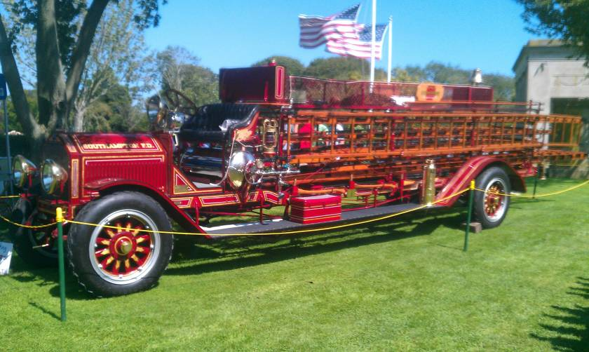 1912 American LaFrance City Service Hook & Ladder Truck