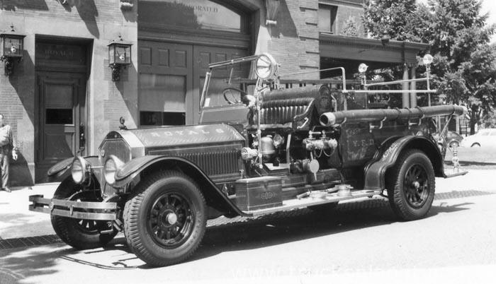 1919 American LaFrance Type 12
