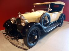 1923 Duesenberg Model A touring car at the Louwman Museum