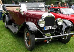 1927 Auburn 6-66A Touring Sedan