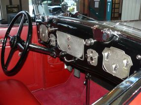 1929 Cord L-29 inside dashboard