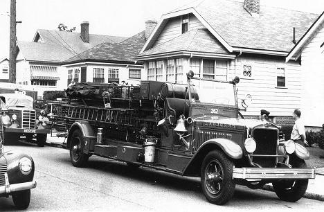 1931 American LaFrance City Service ladder truck