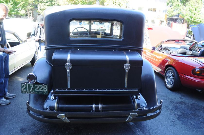 1931 Chrysler Imperial rear