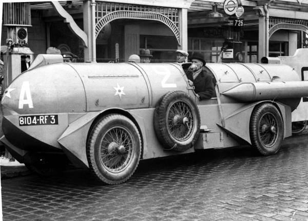 1932 R. Stapp à Daytona Beach en 1932, sur Jupiter au châssis Voisin.