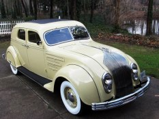 1934 Chrysler Airflow Town Sedan