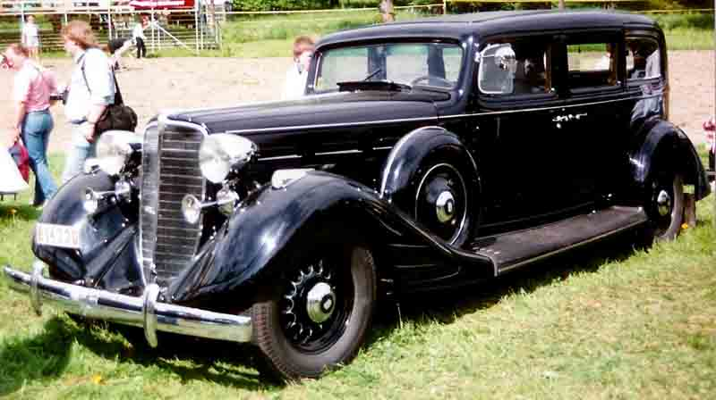 1934 Nash Ambassador Eight 4-Door Sedan