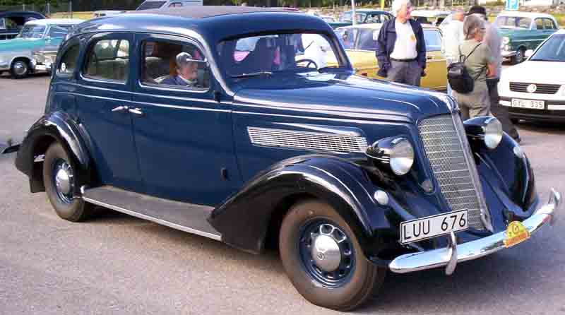1935 Nash Advanced Six Series 3520 4-Door Sedan