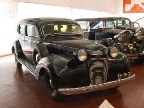 1937 Chrysler Imperial, 140hp, 5302cc, 130kmh-4