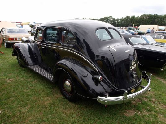 1937 Chrysler Imperial, Dutch licence registration DE-53-87 p4