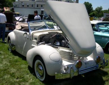 1937 Cord 810.