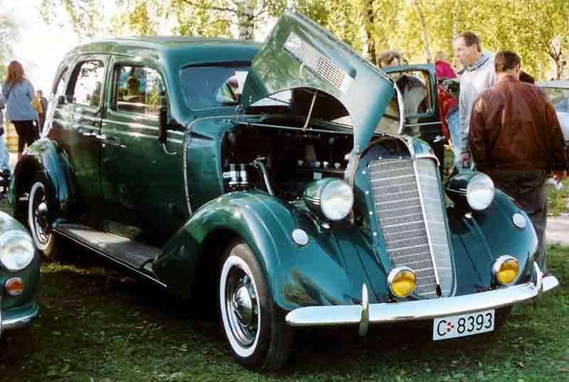 1937 Nash 4-Door Sedan