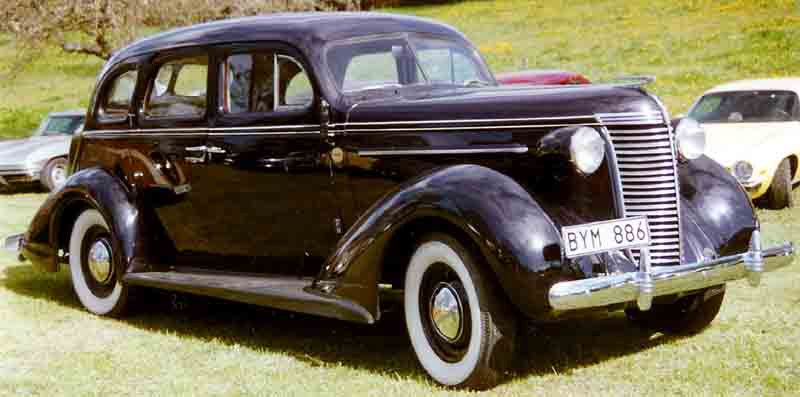 1938 Nash Lafayette Series 3818 4-Door Sedan